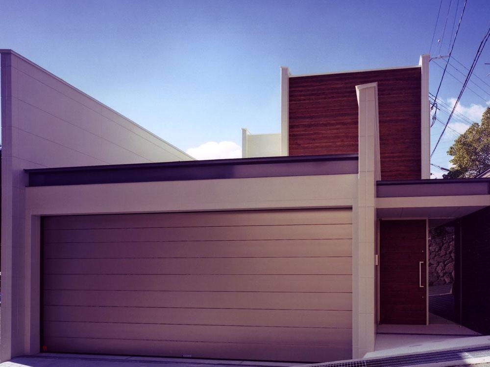 CASE127 閉鎖的な表情をもつデザイン住宅