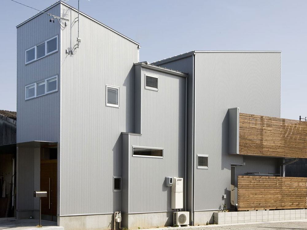 CASE184 ラッパ型の狭小住宅
