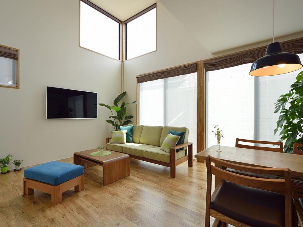 CASE333 コントラストが美しい二世帯住宅