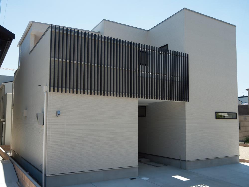 CASE407 H-House