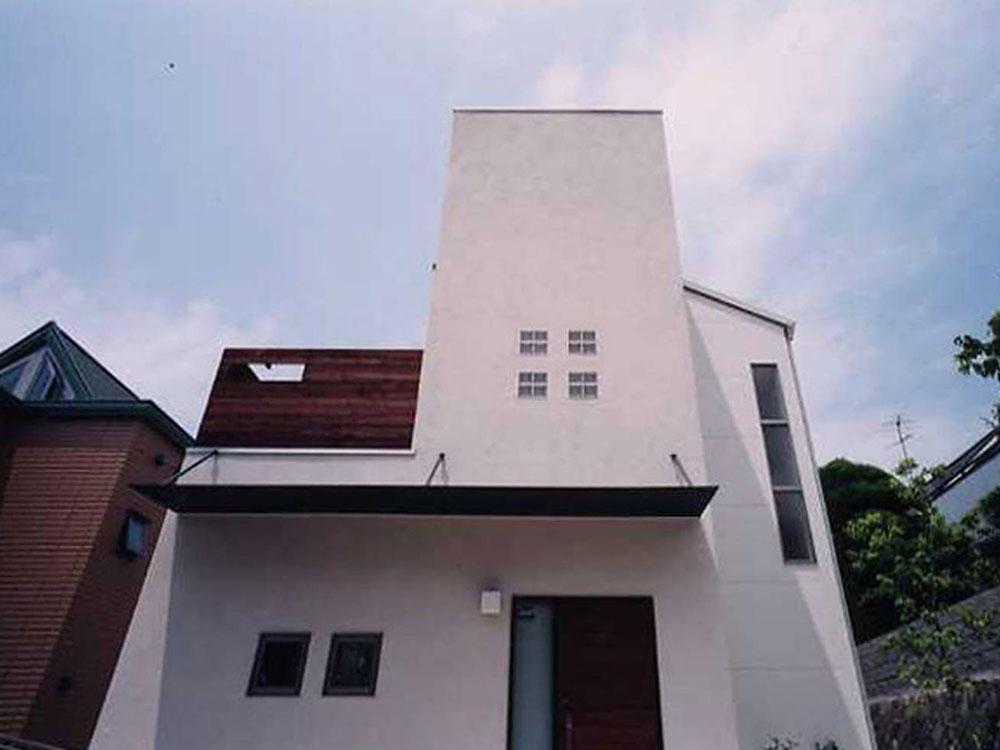CASE40 高台に建つデザイナーズ住宅