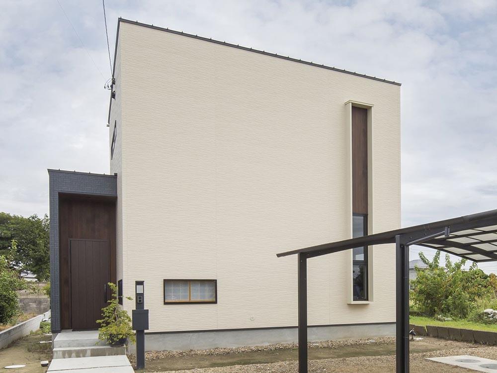 CASE465 彩雲の家