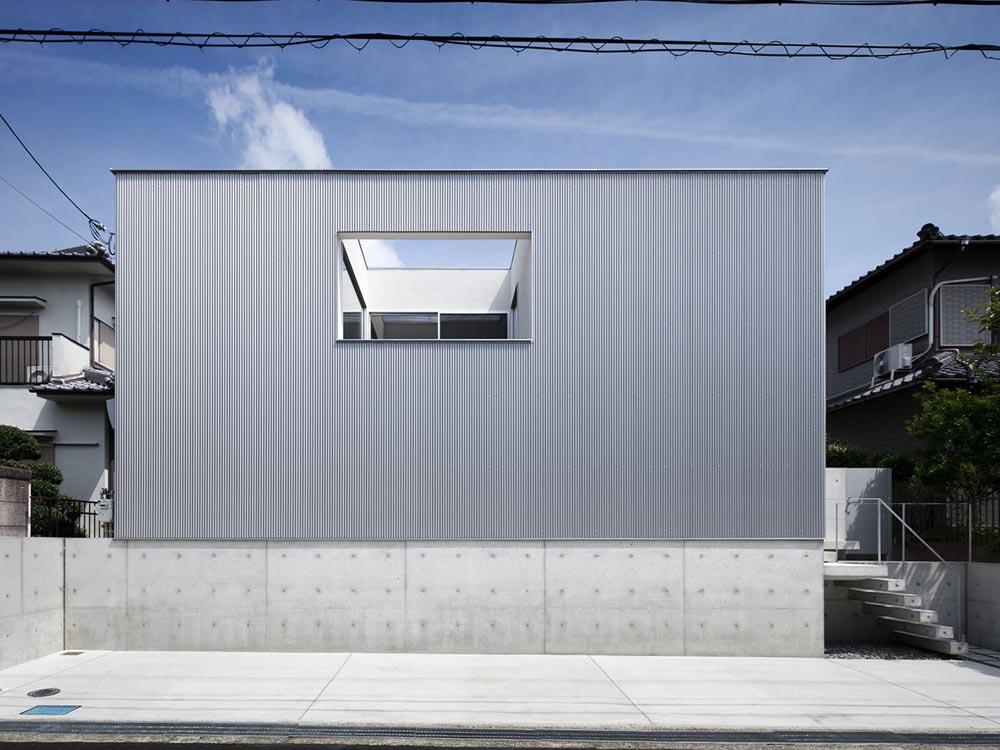 CASE468 1.5階建ての家