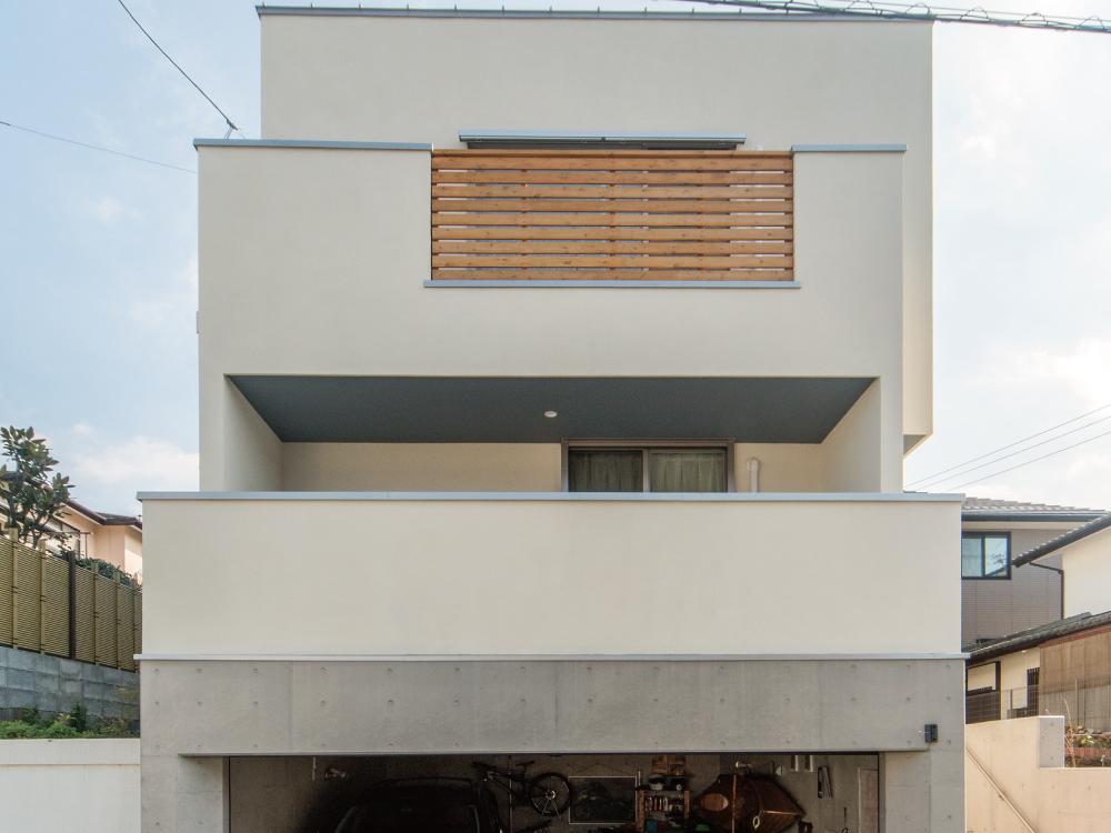 CASE511 高台のガレージハウス
