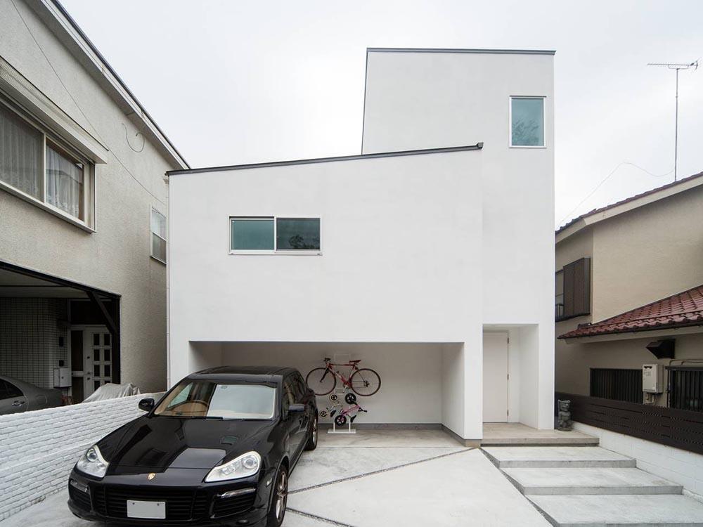 CASE555 白のハウス