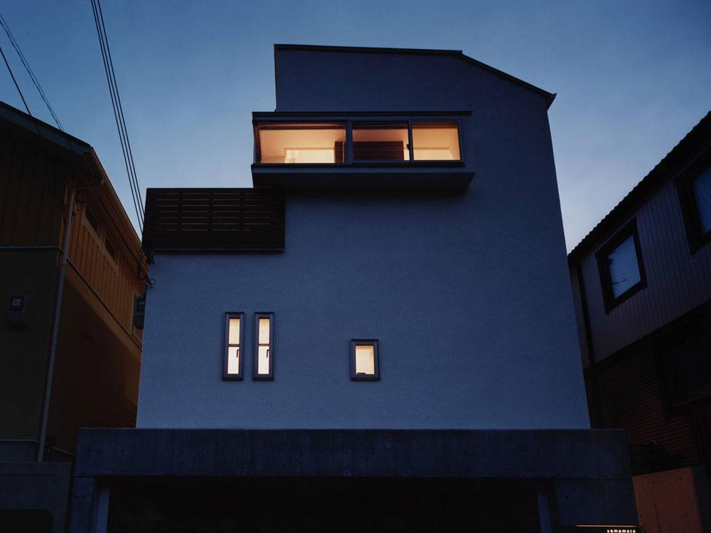 CASE56 ガラスの箱があるデザイン住宅