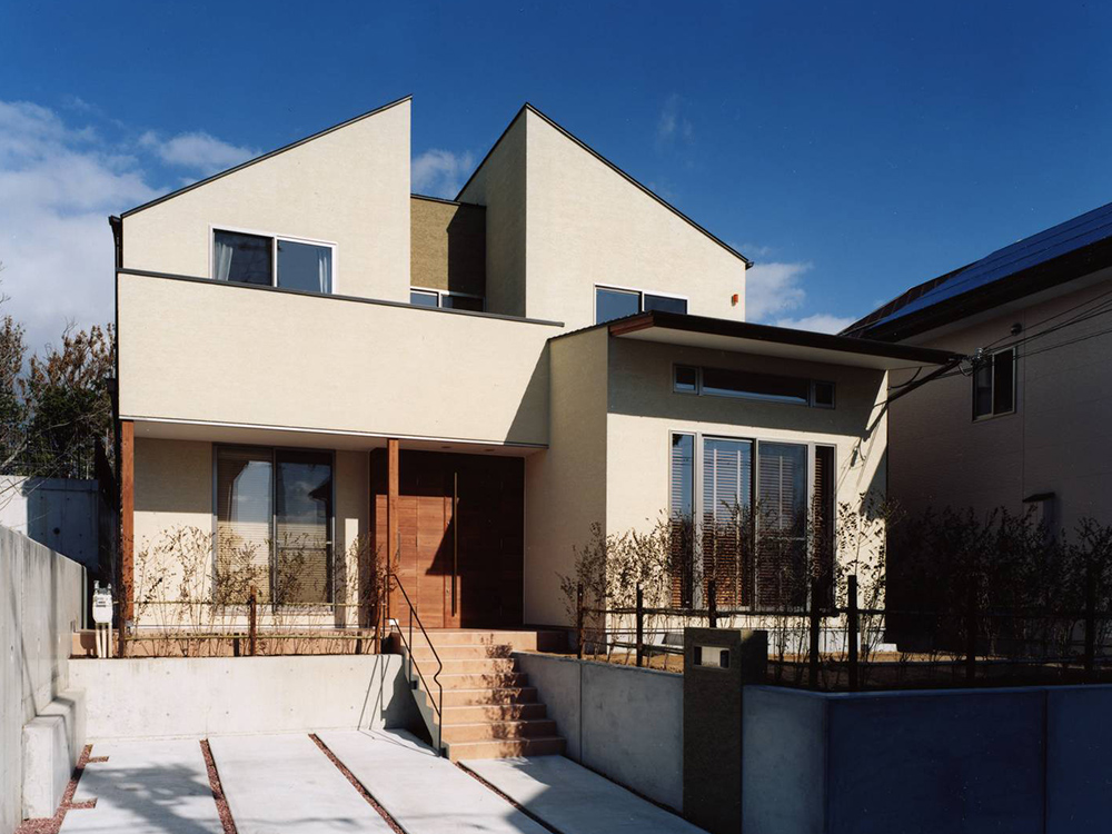 CASE8 街と調和されたデザイン住宅
