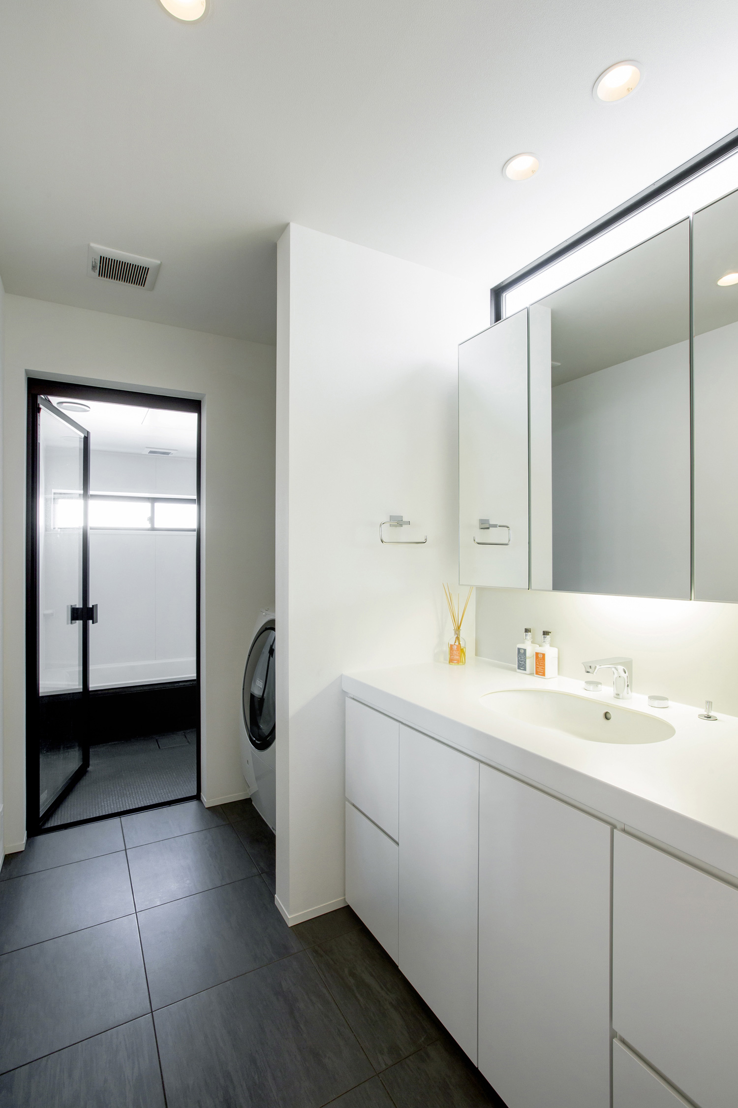 注文住宅・デザイン住宅建築実例_浴室・洗面所