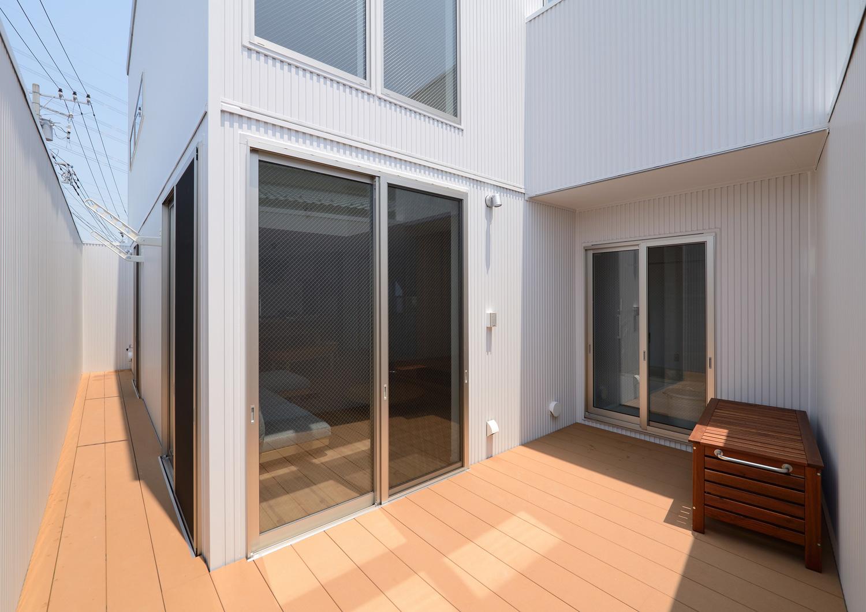 注文住宅・デザイン住宅建築実例_テラス・バルコニ