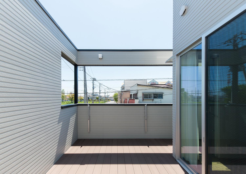 注文住宅・デザイン住宅建築実例_テラス・バルコニー
